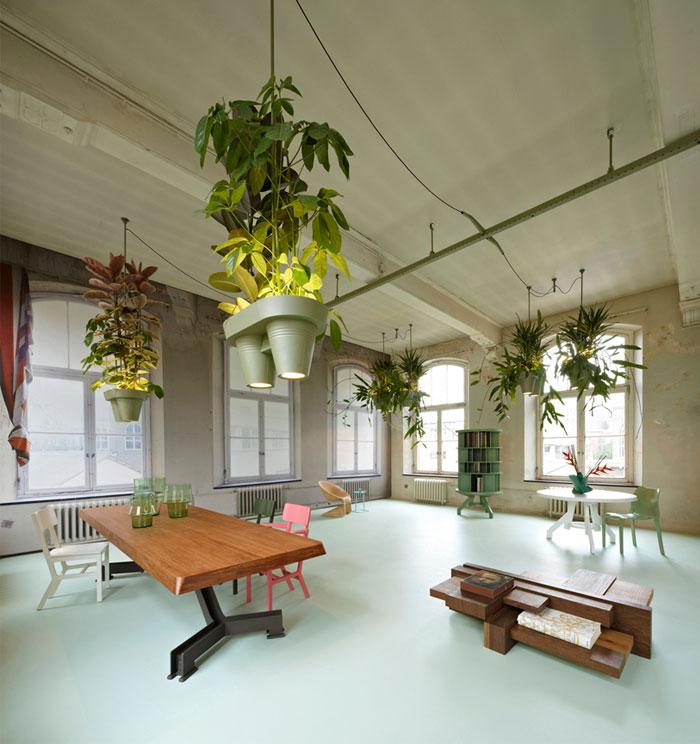 aluminum-lamp-brings-rainforest-home