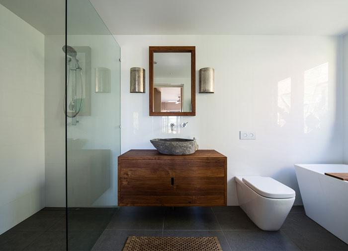 Beautiful City Home by Bourne Blue Architecture InteriorZine : beautiful city home bathroom from interiorzine.com size 700 x 506 jpeg 36kB