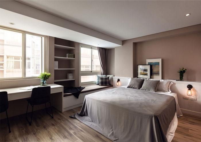 comfortable-working-table-bedroom