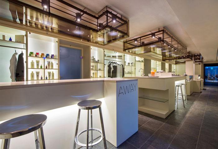 extensive-salon-space