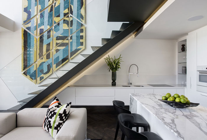 limited-accessories-one-major-artwork-kitchen