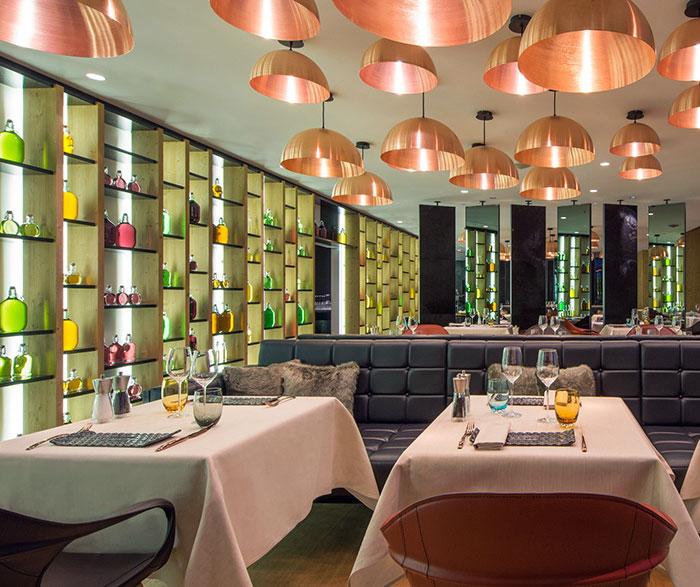 modern-retreat-hotel-dining-area