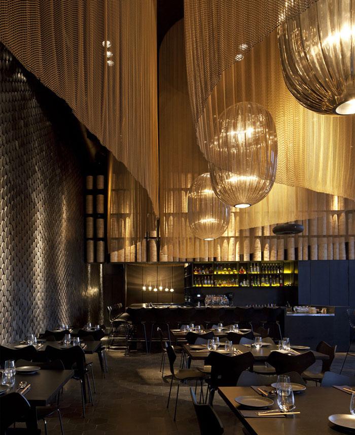 Nhà hàng trang trí nội thất ở Golden Color Scheme nhà hàng truyền thống trang trí hiện đại
