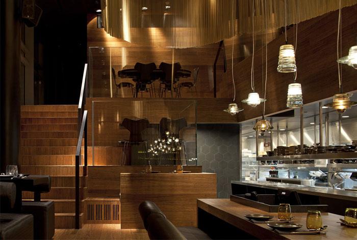 Nhà hàng trang trí nội thất ở Golden Color Scheme trang trí nơi thân mật độc đáo