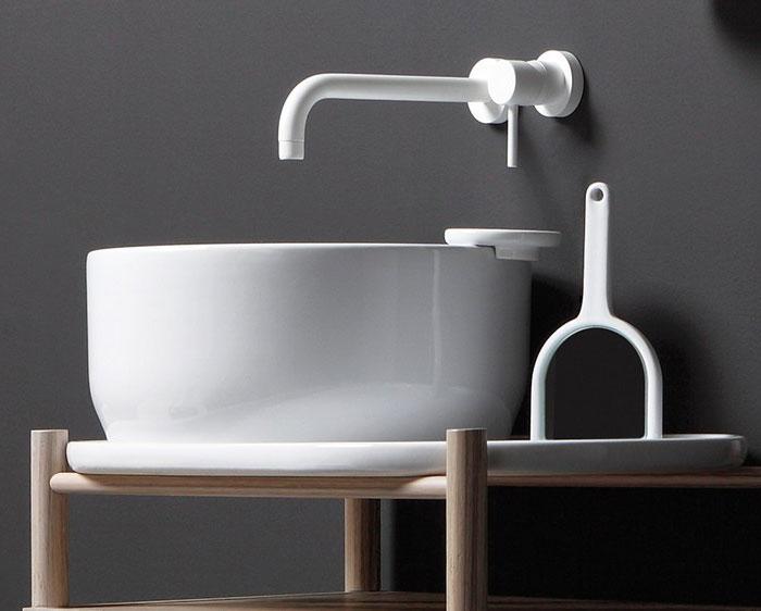 white-countertop-washbasin