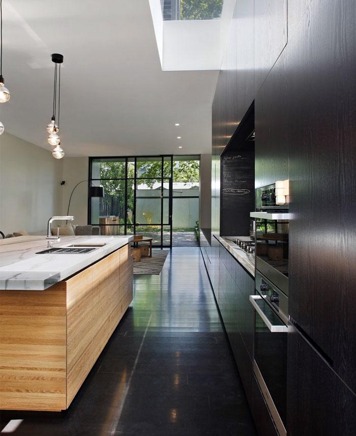 dark-timber-kitchen-decor