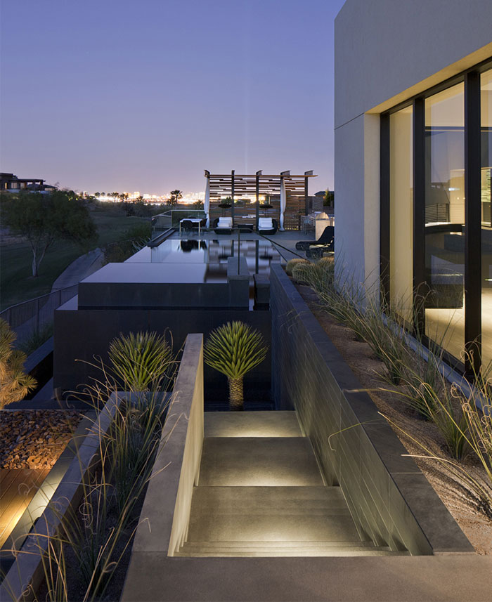 Spectacular Luxury Desert House Interiorzine