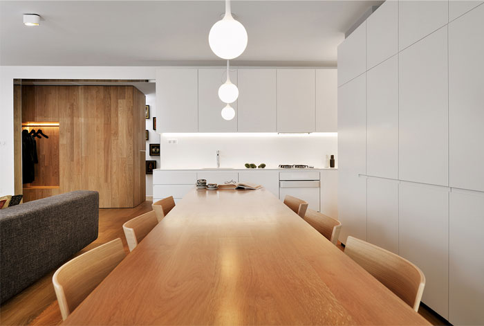 impressive-dining-area-table