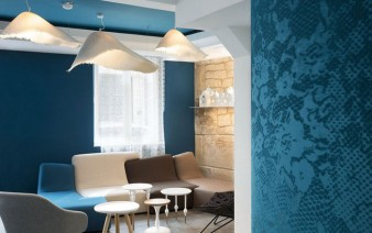 trendy-hotel-loby-wallpaper-decor