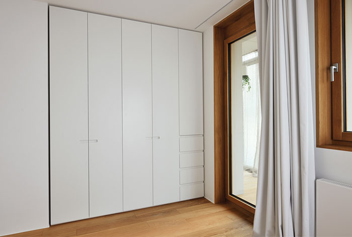 white-caramel-bedroom-furnising
