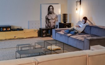 16th-apartment-clean-contemporary-style