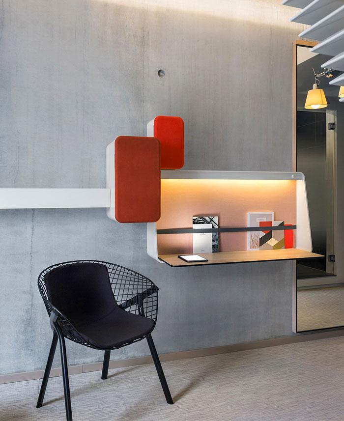cocrete-wall- writing-desk