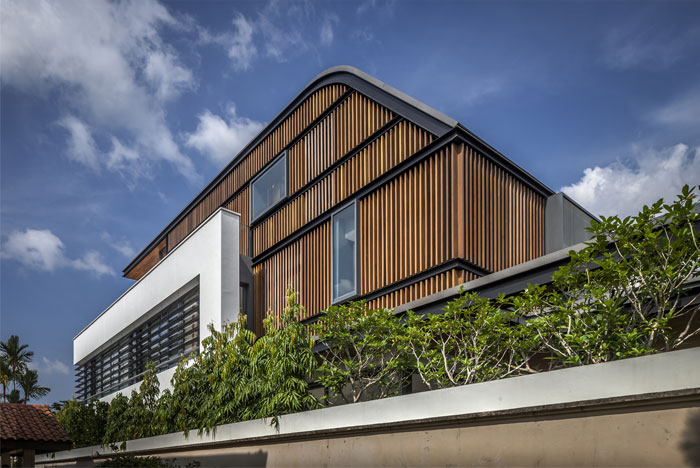 contemporary-home-two-stories-sunny-roof-terrace