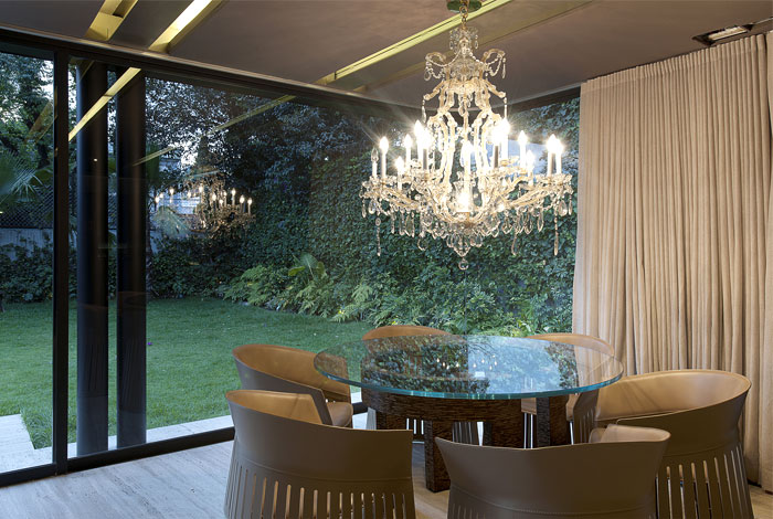 dining-area-crystal-chandelier