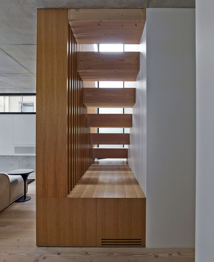 family-home-oak-staircase