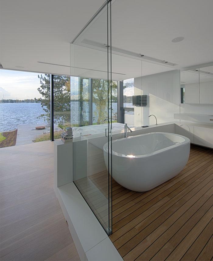 glass-wall-bathroom