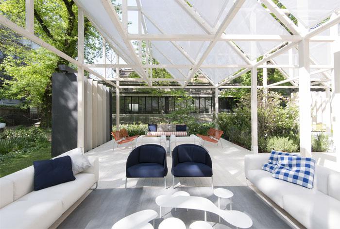 living-divani-giardino-geometrico