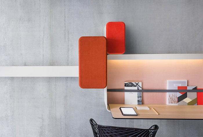 okko-hotel- writing-desk