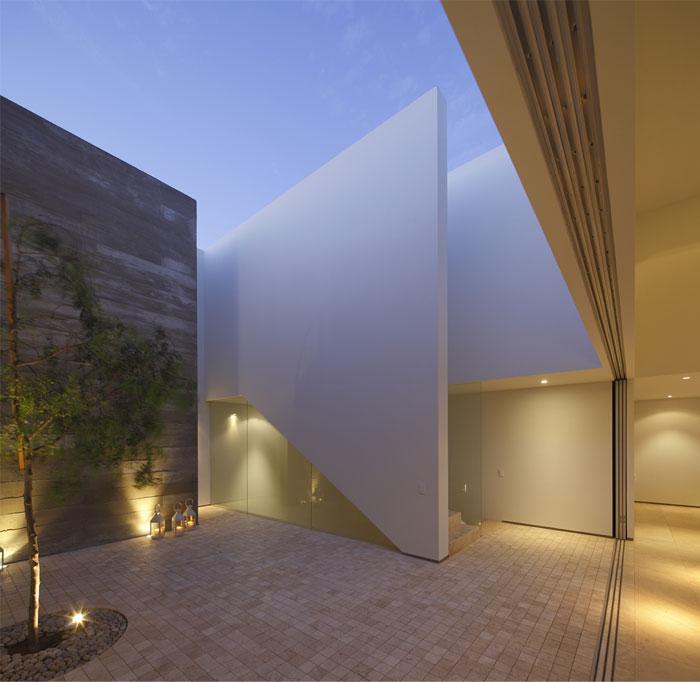 reception-area-patio