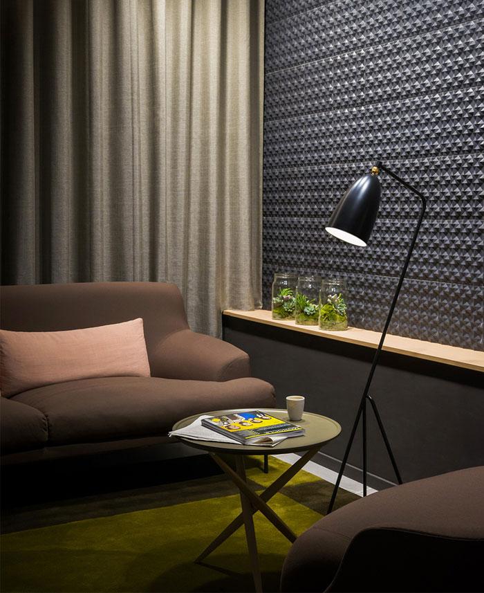 simple-elegant-living-decor