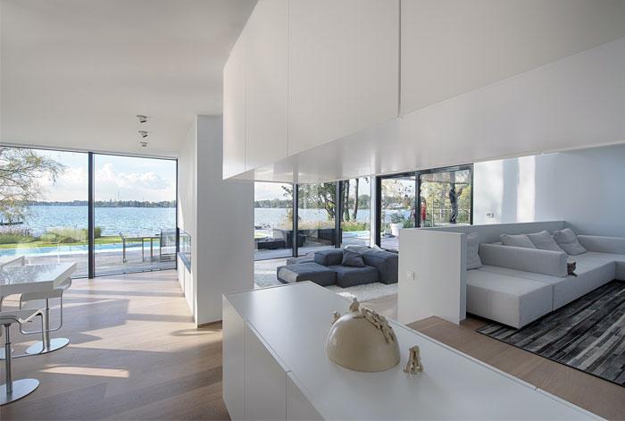 simple-minimalistic-elegant-interior