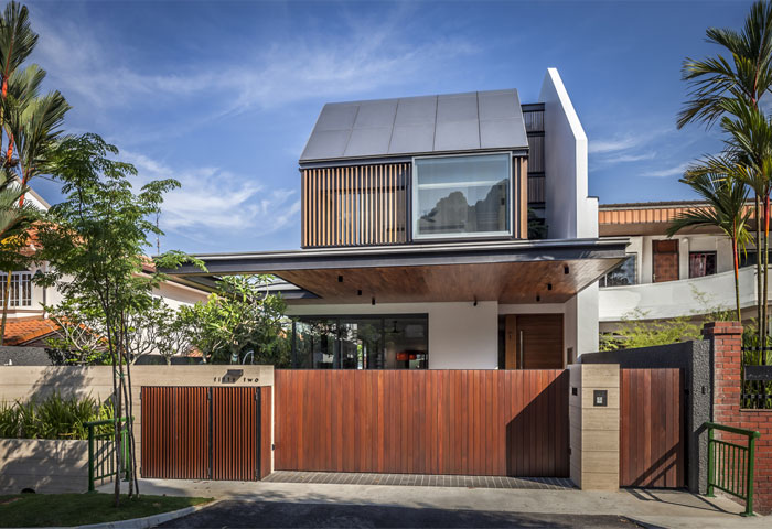 Singapore house with sunny roof terrace interiorzine for The terrace house