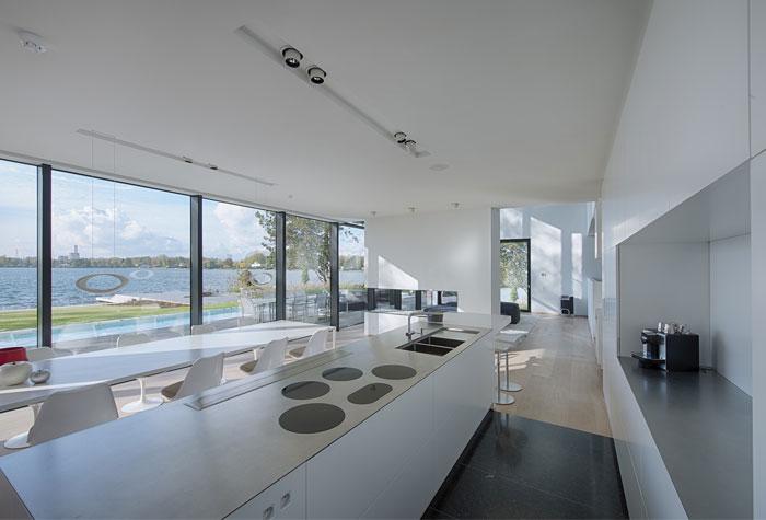 white-kitchen-appliances-furniture