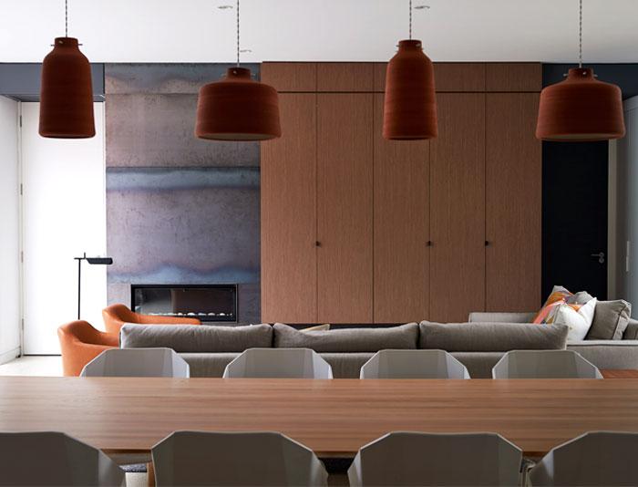 brick-house-dynamic-dining-room-decor