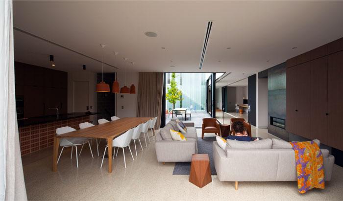 brick-house-dynamic-interior