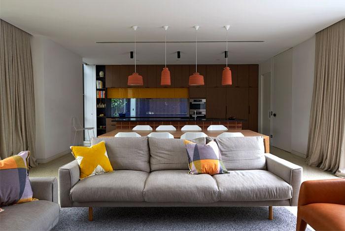 brick-house-dynamic-living-room-decor