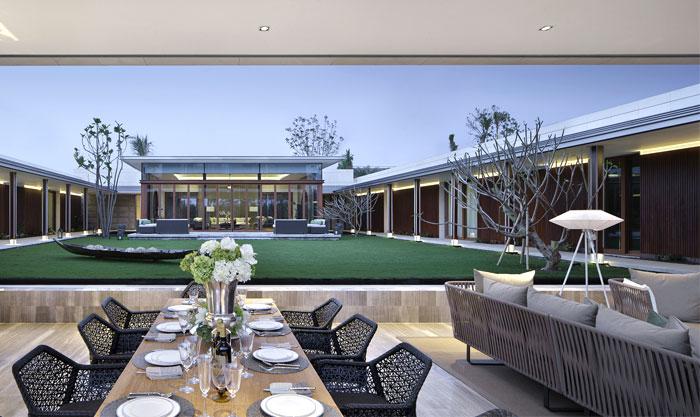 elegant-sophisticated-diningroom-furniture