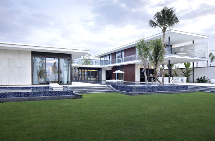 extremely-modern-luxurious-villa
