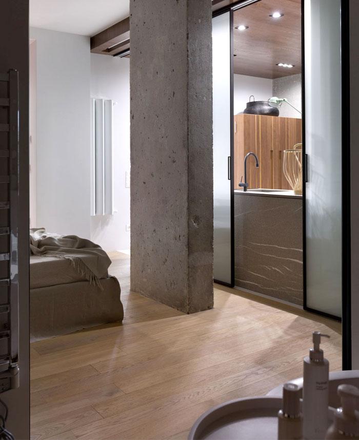 industrial-concrete-columns-interior