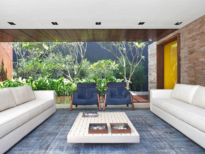 living-area-blue-decor