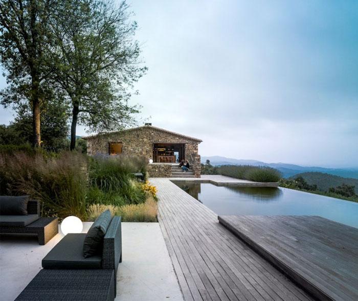 magnificent-natural-pool