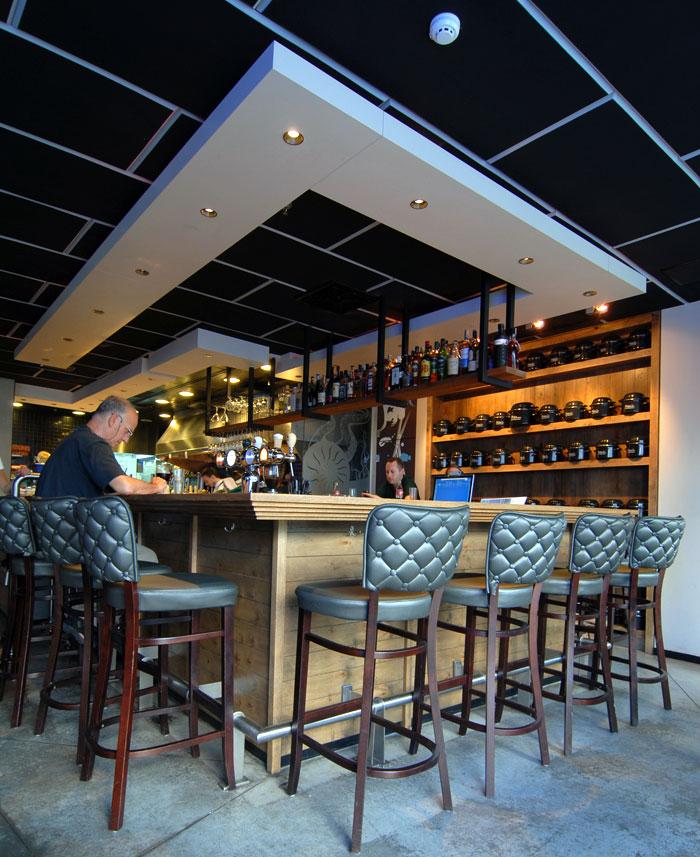 Vintage style seafood restaurant interior interiorzine for Design interior cafe vintage