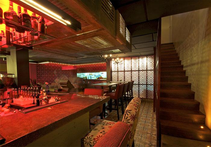 restaurant-floor-patterned-cement-tiles