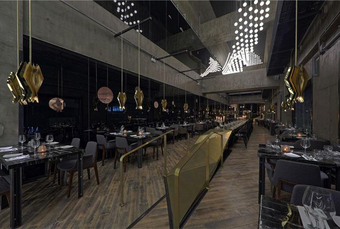 asian-restaurant-modern-art-installation