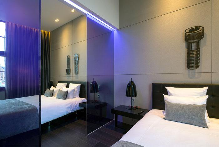 bedroom-decor-art-hotel