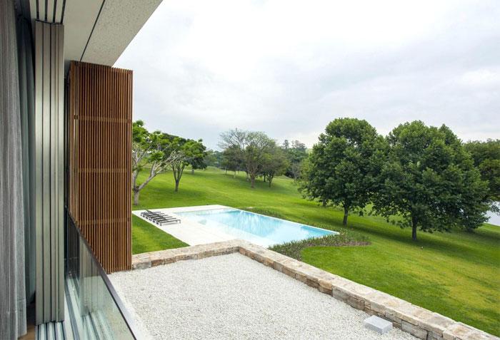 interior-design-integrates-landscape