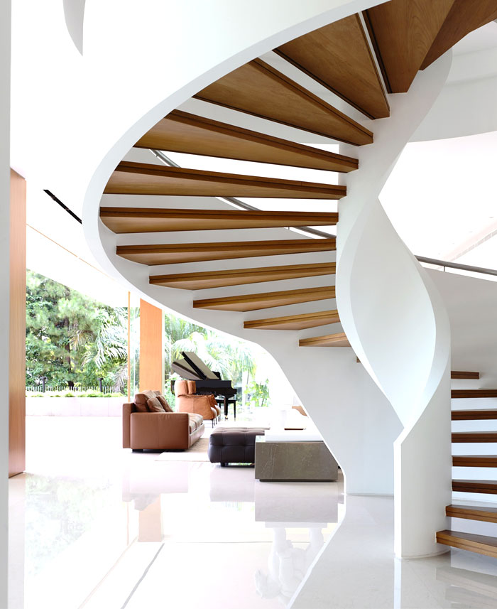classical-comfort-staircase