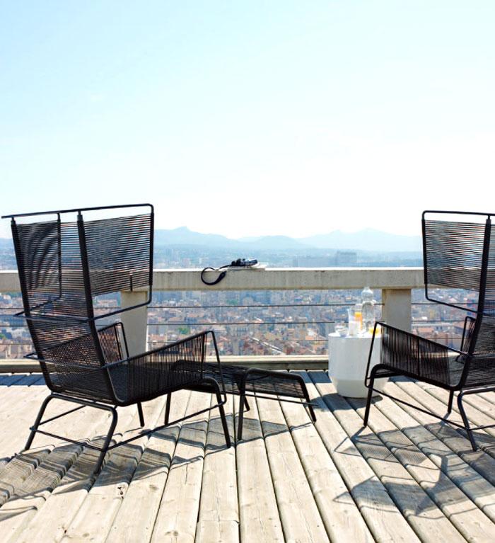 black-steel-frame-cord-chair