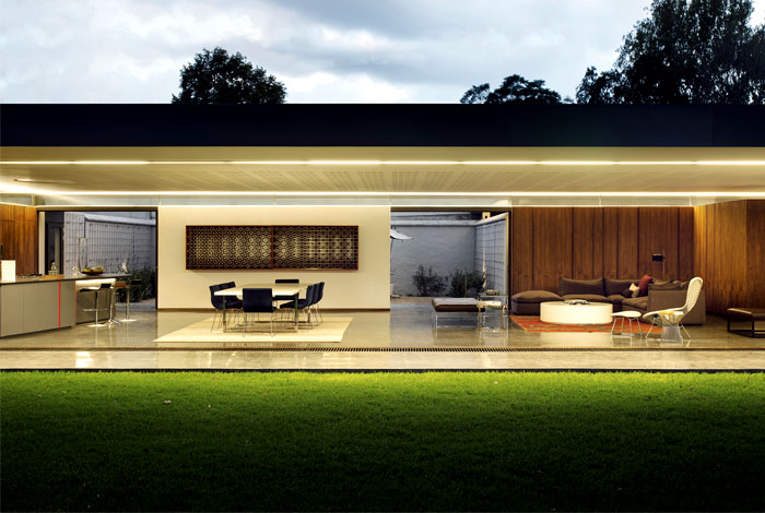 Minimalist One Storey House With Modern Art Sunny Example Of Australian House Design InteriorZine