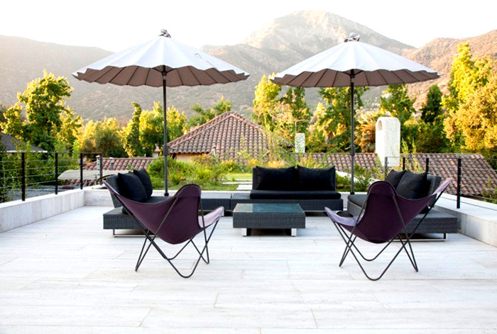 dynamic-chilean-house-outdoor-furniture