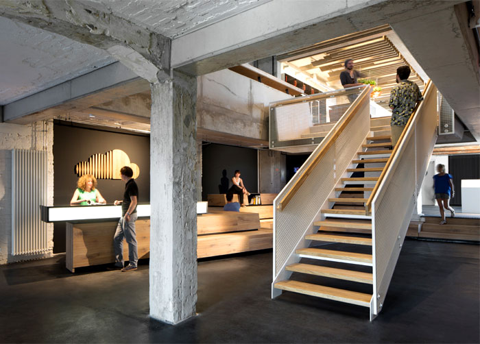 hint-industrial-ambiance