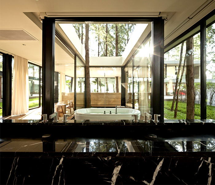 house-floor-to-ceiling-windows