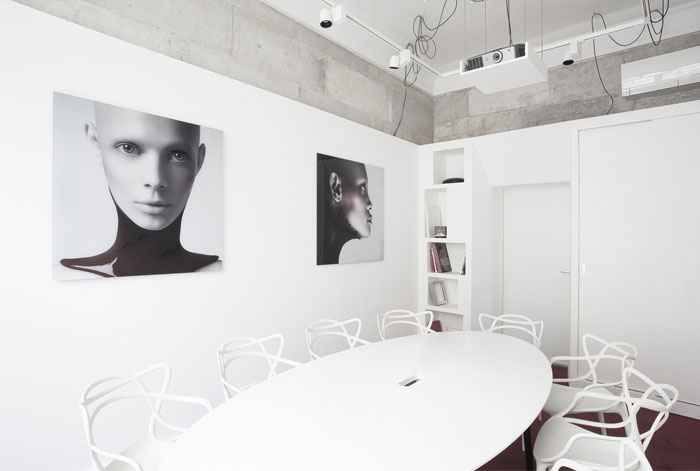 minimalistic-style-office-space-v-confession-13