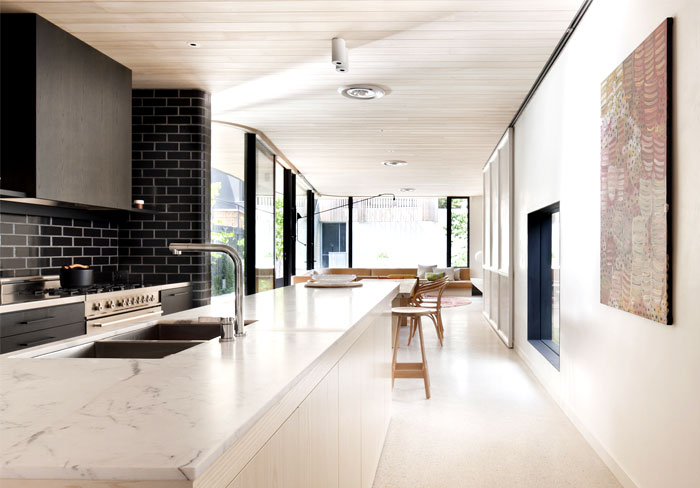 Brick House With Smooth Curves Interiorzine