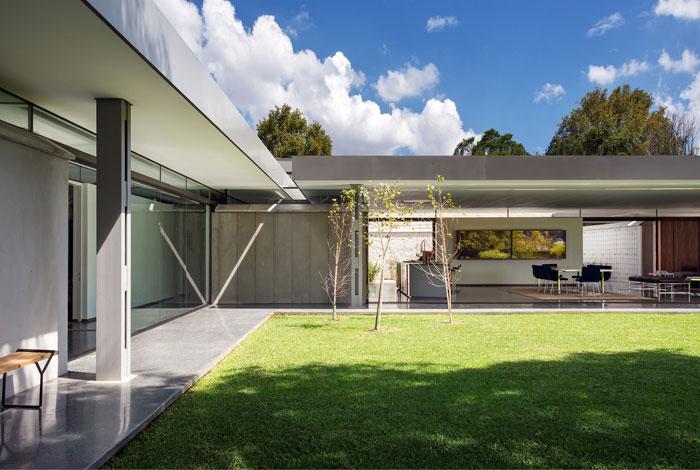 sunny-example-australian-house-design