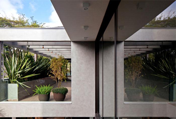 brazilian-contemporary-design-house